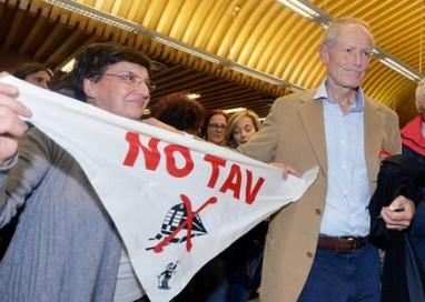 Tav, 'frasi De Luca non idonee istigare'