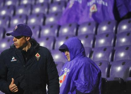Fiorentina's head coach Paulo Sousa gestures during the soccer match ACF Fiorentina vs Carpi at Artemio Franchi stadium in Florence, Italy 3 February 2016. ANSA/MAURIZIO DEGL INNOCENTI