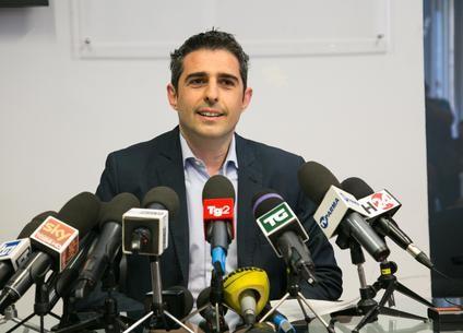 Il sindaco di Parma Federico Pizzarotti durante una conferenza stampa a Parma, 23 maggio 2016. ANSA/UFFICIO STAMPA COMUNE DI PARMA ++ NO SALES, EDITORIAL USE ONLY ++