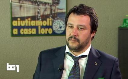 Il fermo immagine tratto da Raiuno mostra il segretario federale della Lega Nord, Matteo Salvini, durante l'intervista al Tg1, 29 aprile 2016. ANSA/FERMO IMMAGINE RAIUNO +++EDITORIAL USE ONLY - NO SALES+++