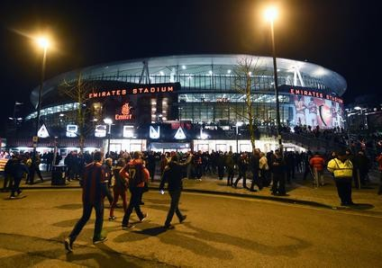 epa05177263 The Emirates Stadium ahead of the UEFA Champions League Round of 16 first leg soccer match between FC Arsenal and FC Barcelona, in London, Britain, 23 February 2016.  EPA/ANDY RAIN