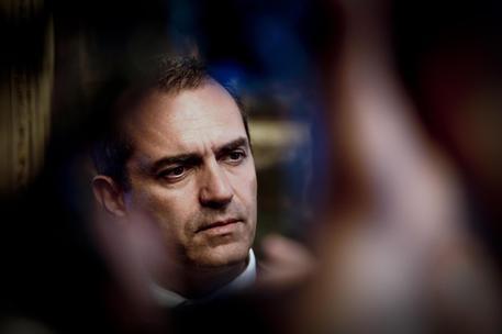 Difensore civico diffida sindaco Napoli