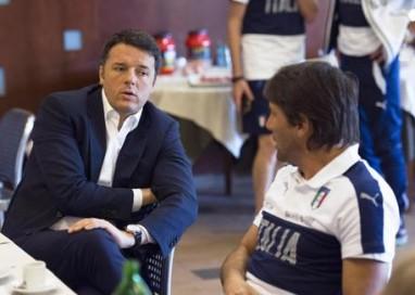 Euro 2016: a Renzi in dono maglia Italia