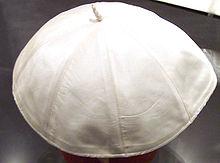 Oltre la papalina Tutti i cappelli del Papa