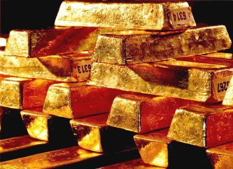 Fugge con 4 milioni in oro: guardia riappare ma il