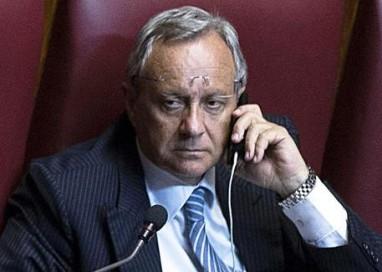Corruzione e riciclaggio, Gdf esegue decine di arresti. Indagato il parlamentare Marotta (Ap)