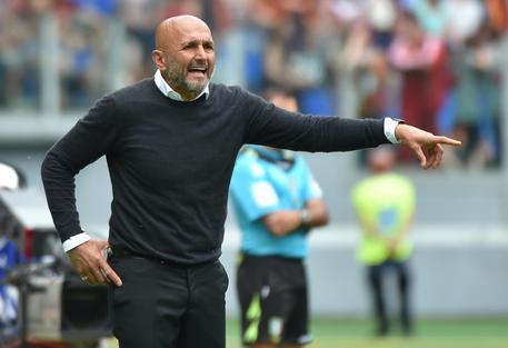 Roma-Pinzolo 16-0, Dzeko cala il poker. Gerson subito in gol