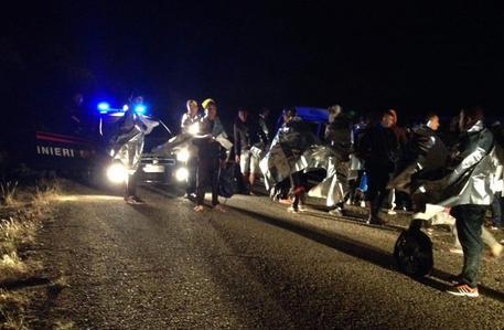 Terrorismo: arrestati a Napoli trafficanti migranti, uno è jihadista