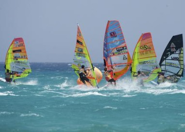 Windsurf: Iachino campione mondo slalom