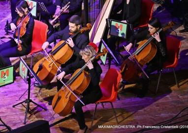 """Due nuovi successi della MAXIMAorchestra Maxi Concerto """"CHRISTMAS MELODIES"""""""