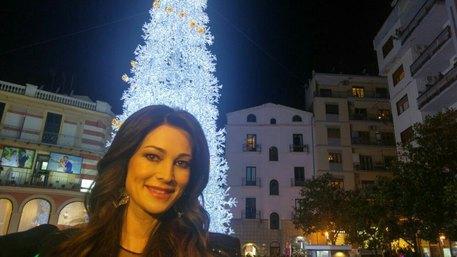 Acceso albero delle polemiche a Salerno